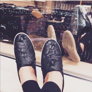 Joie kidmore snake print slip-on sneakers